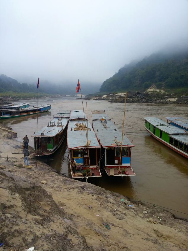 Slow boats at Pak Beng