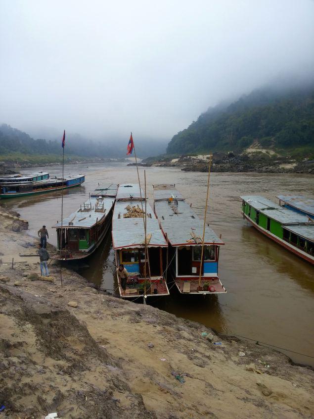 Slow boats at Pak Beng