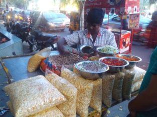 Street fooding.